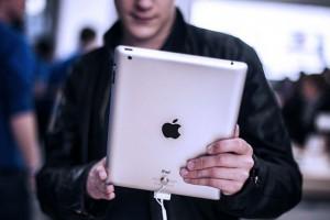 Apple ekranları büyütüyor_