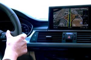 Google, Android temelli bir sistemi otomobile taşıyabilir