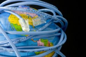 İnternet yasası internete değil anayasal haklara müdahaledir