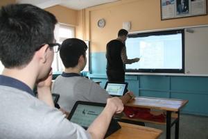 Akıllı tahta projesinde tabletlerde uyum sorunu yaşanıyor