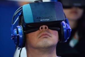 Facebook, Oculus VR'yi 2 milyar dolara satın aldı