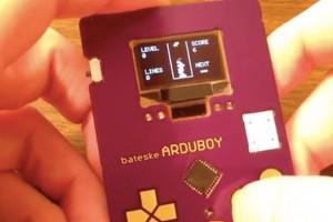 Tetris oynayabileceğiniz kartvizitiniz olsun ister misiniz