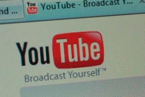 youtube a engele devam