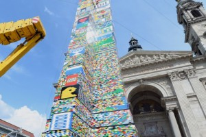 35 m uzunluğunda Lego'dan yapılan kule rekor kırdı