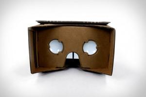 Google'ın sanal gerçekliği deneyimlemek için karton maske