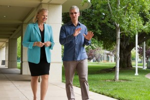Apple, uygulama oluşturmak, telefon satmak üzere IBM ile işbirliğine gidiyor