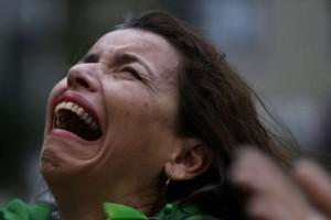 Brezilyalı taraftarların ilk yarıdan sonra verdiği tepkilerini yansıtan fotoğrafları