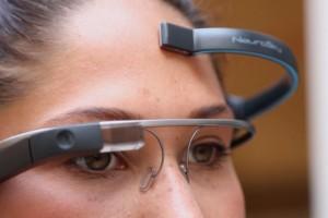 Google Glass düşünce gücüyle fotoğraf çekip tweet atıyor