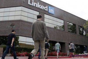 LinkedIn, bağlantılarınız hakkında daha ilgili haberlere ulaşmak için Newsle'yi satın alıyor