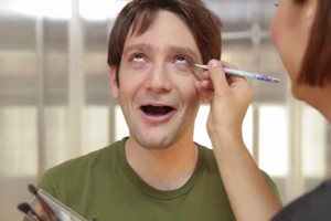 Bu kez makyaj yapan erkekler olsaydı