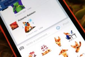 Facebook çıkartmaları zaman tüneli, grup ve etkinlik yorumlarına geliyor
