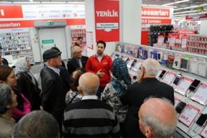 Media Markt'tan emekliler için teknoloji eğitimi