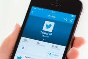 Twitter, takipçi listenizde reklam alanı satmayı deneyimliyor
