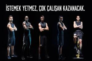 Ünlü futbolcular Digiturk'ün yeni reklamında ter döktü