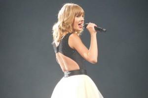 Apple, Taylor Swift atağından sonra sanatçılara ödeme yapacak