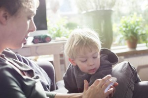 Ebeveynlerin yüzde 47'si çocuklarıyla Facebook'ta arkadaş