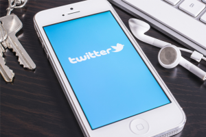 Twitter 'da tam ekran video keyfi