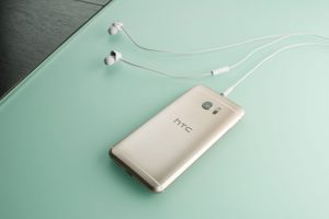 HTC 10 Türkiye'de satışta
