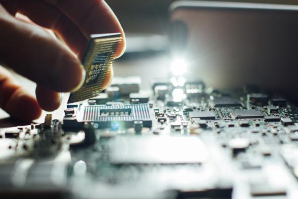 Dünyanın ilk 1000 çekirdekli işlemcisi KiloCore