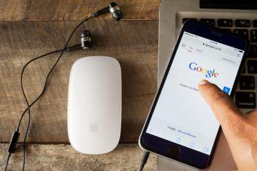 Google, aramalara şakı sözlerini de ekledi