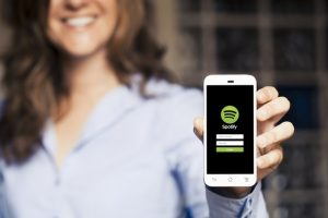 Spotify 100 milyon barajını geçti