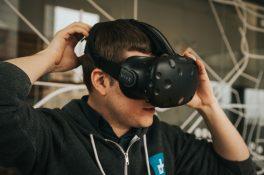 HTC Vive, ana bünyeden ayrılıyor