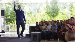 "Tim Cook: ""Apple 1 milyarıncı iPhone'u sattı"""