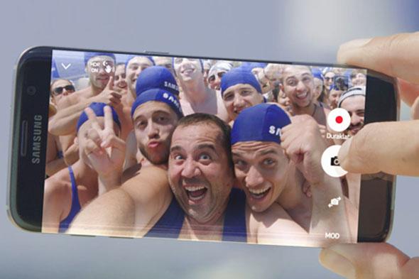 Ata Demirer, Samsung Yüzme Yarışı'na çağırıyor