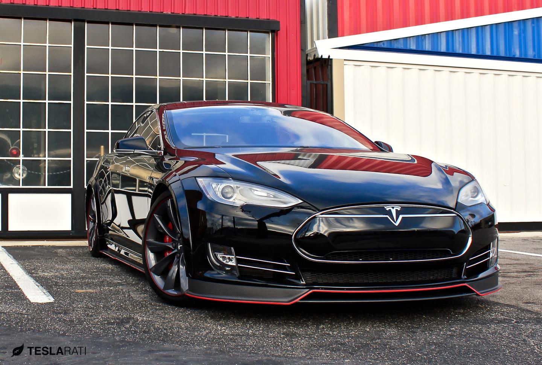 Tesla'nın yeni otomobili 0'dan 100'e 2,5 saniyede çıkacak