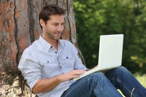 Araştırma: Çalışanlar mobil çalışırken daha mutlu