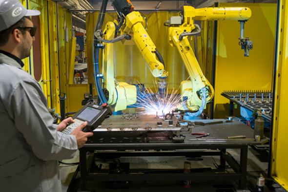 İlk kaynak robotu çalışmaya başladı