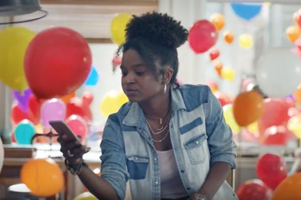 Apple'dan iPhone 7 için balonlu reklam