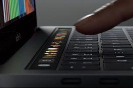 Yeni MacBook Pro'da TouchBar ile yapabileceğiniz 10 çok güzel hareket