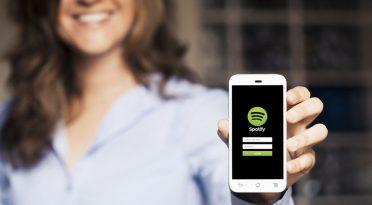 Spotify açıkladı: Türk kadınları hangi müzikleri dinliyor?