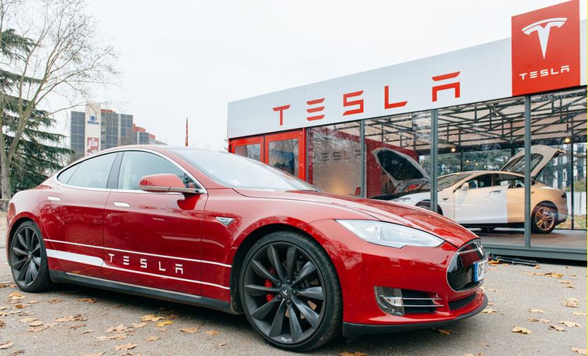 Tesla 53 bin aracı geri çağırıyor