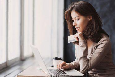 Google kredi kartlarını inceleyecek, gizlilik tartışması başladı