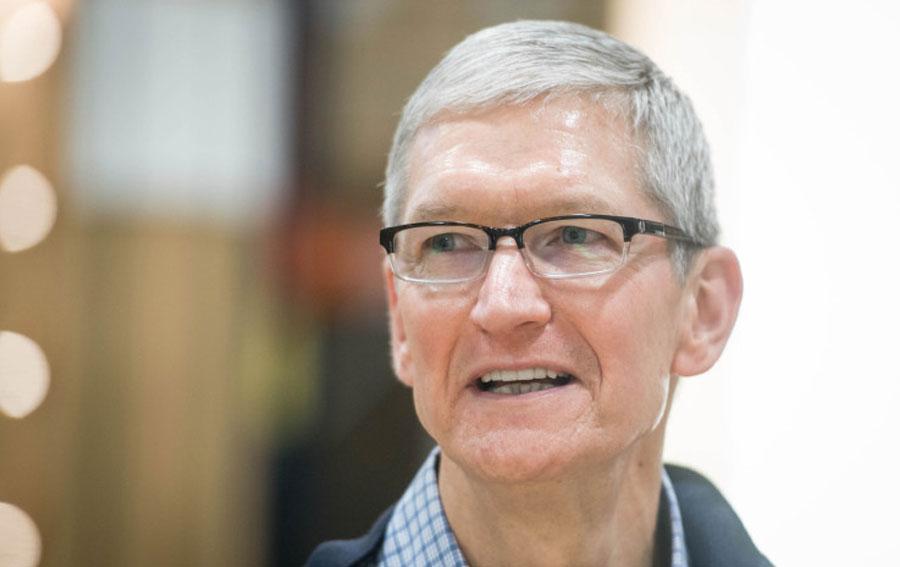 """Tim Cook: """"Apple Car' tüm yapay zekaların anası olacak"""""""