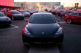 Tesla Model 3 satışa sunuldu
