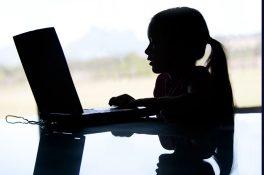 Çocukları internette tehlikeli içeriklerden korumak için öneriler