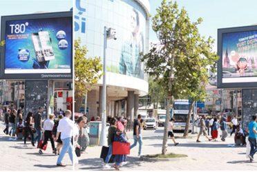 Turkcell ile açıkhavada akıllı reklam dönemi