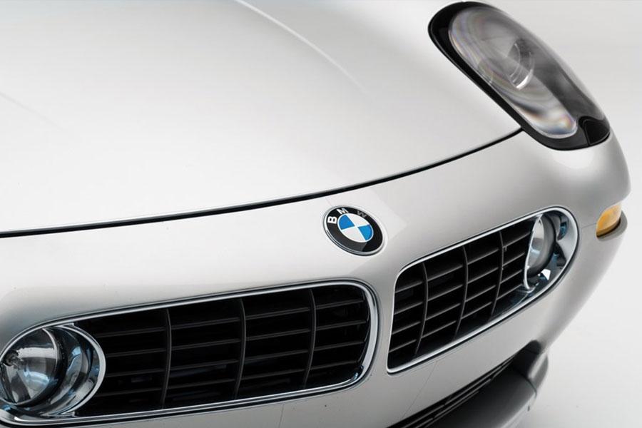 Steve Jobs'ın otomobili açık artırma ile yeni sahibini buluyor