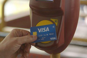 Visa'dan toplu taşımada bozuk para ve bileti kaldıracak program