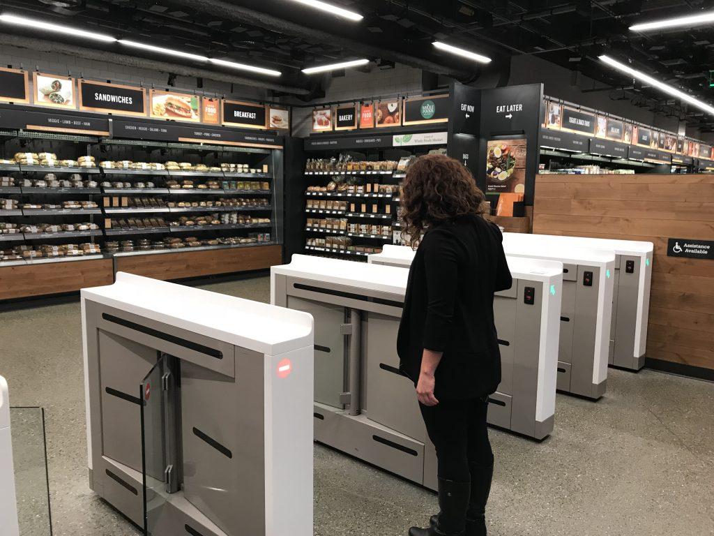 Dünyanın ilk kasiyersiz mağazası Amazon Go bugün açılıyor