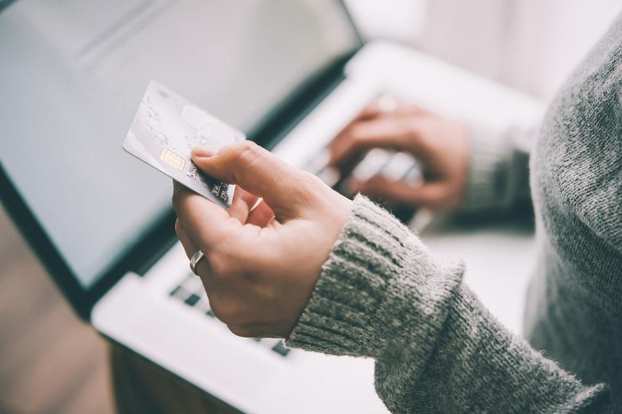 Türkiye'de kartlı alışveriş 677 milyar liraya ulaştı