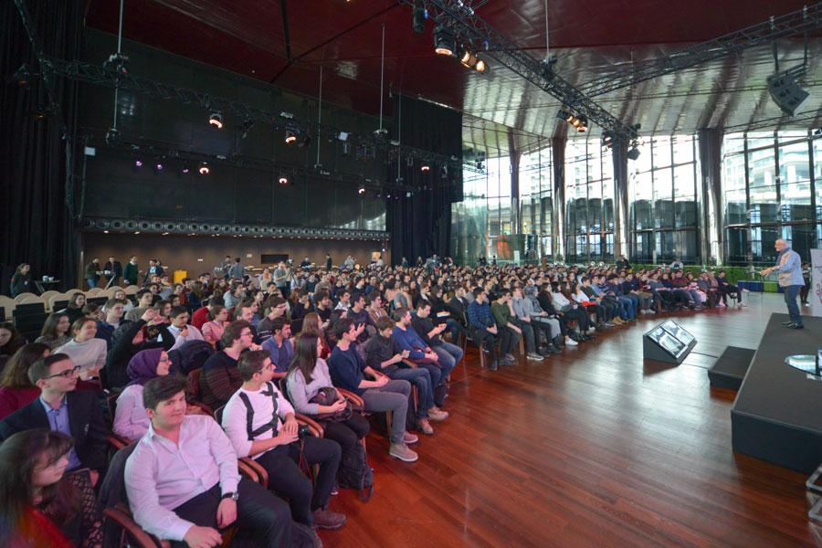 Mehmet Zorlu Vakfı, gençleri girişimcilerle buluşturdu