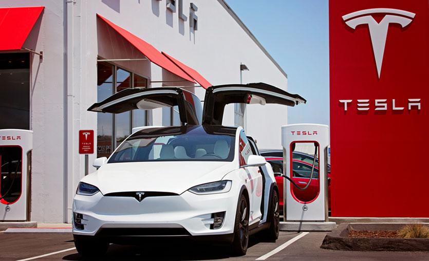 Tesla İstanbul'daki mağazası için LinkedIn'de iş ilanları yayınladı