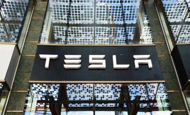 Tesla binlerce çalışanı işten çıkartıyor