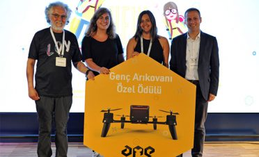 Genç Arıkovanı'nın hayata dokunan liseli girişimcilerine ödül