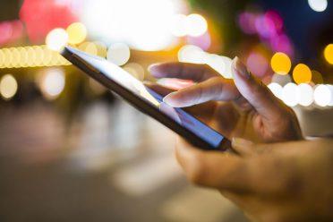 Çin'de akıllı telefon satışları düşüyor