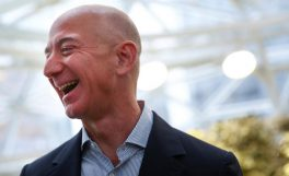 Jeff Bezos'tan 2 milyar dolarlık bağış